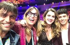 Amaia y Alfred en la Green Room con Manu Guix y Noemí Galera.
