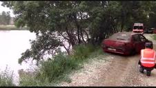 Rescate de un vehículo del río Ebro