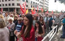 La manifestación está llegando a la plaza Príncipe de Viana,mientrassigue saliendo gente del lugar donde se ha iniciado, en el paseo de Sarasate.