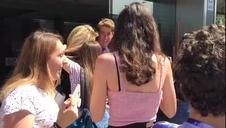 Los fans de OT esperan a las puertas del hotel Zenit