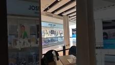 Atraco en una joyería del centro comercial en Castelldefels