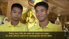 Primera noche en casa de los niños tailandeses rescatados