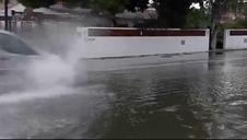 La gota fría deja las primeras calles inundadas en el norte de Alicante