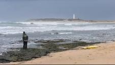 Hallan tres nuevos cadáveres del naufragio de una patera en Cádiz