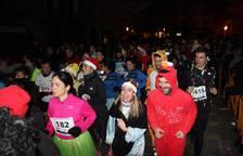 La capital ribera despidió el año haciendo deporte en la tradicional carrera San Silvestre.