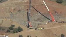 Extraen los 60 metros de tubo del pozo paralelo al de Julen