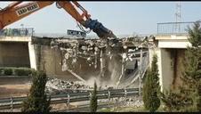 Derribo del puente de la N-121-C en Tudela