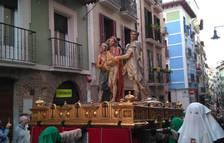 El sexto paso, 'Ecce Homo', desfila ya por la calle Curia