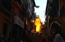 La cabeza de la procesión alcanza ahora la calle San Antón.