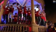 Cántico de los jugadores en la Plaza del Castillo