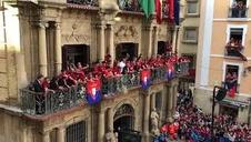 Discurso de Luis Sabalza desde el balcón del Ayuntamiento de Pamplona