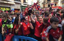 Multitud de seguidores en la Plaza Consistorial para celebrar el ascenso de Osasuna.