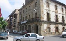 Imagen de archivo del edificio que alberga la Casa Consistorial en Etxarri Aranatz.