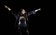 La cantante del grupo Amaral, Eva Amaral, durante su actuación en el festival Dcode 2019.