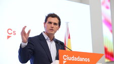 Ciudadanos ofrece una abstención conjunta con el PP para una eventual investidura de Sánchez