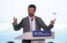 El presidente del PP, Pablo Casado, interviene este domingo en un acto del PP en Oleiros.