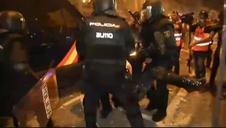 Un antidisturbios herido en los incidentes en Barcelona