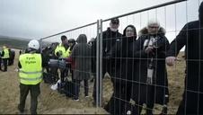 Ingenieros daneses mueven un faro 80 metros tierra adentro para contrarrestar el avance del mar