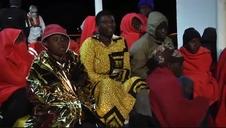 Llegan al puerto de Melilla los 81 migrantes rescatados en Chafarinas