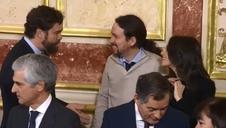 Un corrillo entre Iglesias, Espinosa de los Monteros y Arrimadas, anécdota del Día de la Constitución
