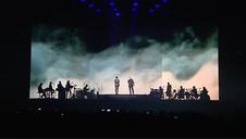 Sabina y Serrat hacen las delicias de miles de fans en su primer concierto en Madrid