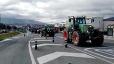 Vídeo | Entrada de tractores por Noáin para la protesta agraria