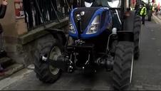 Vídeo del encierro de tractores en Pamplona