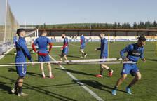 Unai García, en un ejercicio de fuerza durante el entrenamiento de este pasado lunes.