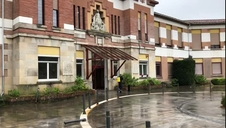 Trabajos de limpieza de la UME en la Casa de la Misericordia de Pamplona