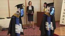 Sorprendente graduación virtual en Japón