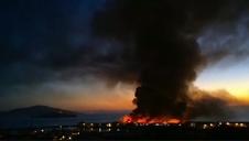 Vídeo: El fuego devora parte del histórico muelle de Pescadores de San Francisco