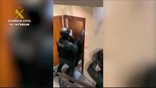 Vídeo: Desarticuladas dos organizaciones que robaban en establecimientos y naves industriales en Madrid
