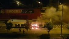 Vídeo del incendio de un contenedor en Mutilva