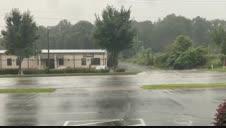 Vídeo: El huracán Isaías toca tierra en Carolina del Norte