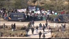 Protestas frente al hospital Enfermera Isabel Zendal en el día de su inauguración