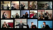La banda de música de Falces interpreta el himno de Navarra