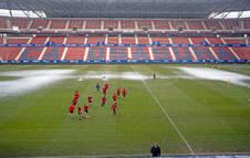 Al estar los campos de Tajonar cubiertos por la nieve, Osasuna se ejercitó ayer en el estadio de El Sadar horas después del choque contra el Real Madrid.
