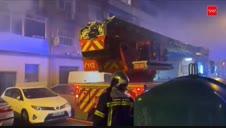 Aparatoso incendio en un edificio de Alcalá de henares (Madrid)