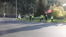 Vídeo de protestas en Arre contra el tráfico de camiones en la N-121-A