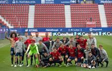 Osasuna se ha hecho una foto grupal al acabar el partido contra el Elche.