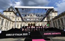 Presentación de los equipos participantes en el Giro de Italia 2021, que comienza este sábado en Turín.