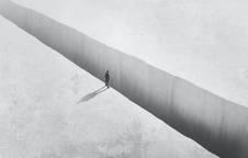 La COVID-19 demuestra que el mundo caerá por un precipicio si no cambiamos