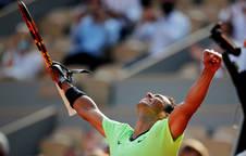 Rafa Nadal celebra su victoria frente al argentino Schwartzman.