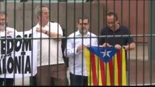 Vídeo: Los presos indultados abandonan la prisión de Lledoners