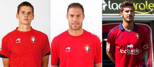 Jukka Raitala (izda.), Nano (centro) y Joan Oriol, los últimos tres laterales izquierdos fichados por Osasuna