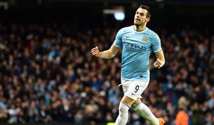 Negredo celebra un gol con el Manchester City