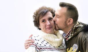 Teresa Romero, junto a su marido.