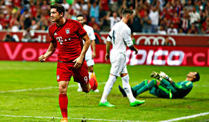 Lewandowski celebra su gol al Real Madrid.