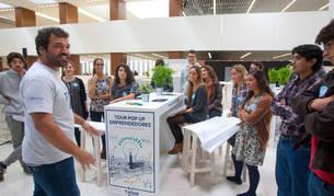 """Trescientos jóvenes participan en el """"Pop Up Emprendedores"""", organizado por Fundación Telefónica y la Universidad de Navarra con el objeto de aprender a pensar diferente, despertar la creatividad, y convertirse en agentes de cambio a través de sus propias ideas, desarrollando su espíritu emprendedor."""