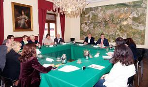 Una de las sesiones de trabajo entre representantes de Pamplona y Paderborn.